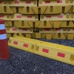جداکننده ترافیکی خطوط نیم متری (50 سانتیمتر) برای جدا سازی در پایانه های خطوط مسافربری و معابر ارائه توسط شرکت آذین ترافیک