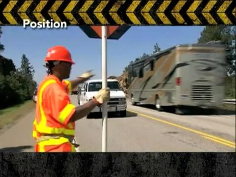 تجهیزات ایمنی - راه سازی - آموزش - بشکه ترافیکی - عملیات جاده ای