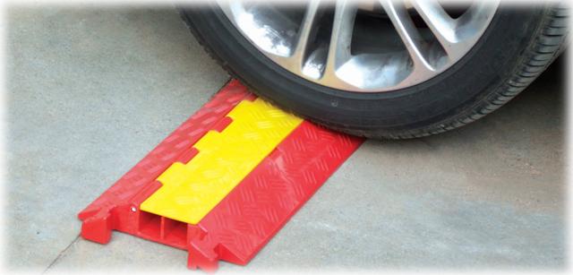 3 - سرعتگیر - سرعت گیر - سرعت کاه = سرعت گیر لاستیکی - سرعتگیر لاستیکی - فروش سرعت گیر - خرید سرعتگیر کفی سرعتگیر
