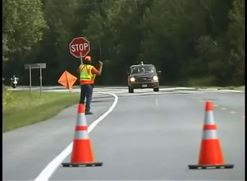 تجهیزات ایمنی - عملیات -جاده - دولاین -آموزش بشکه ایمنی -بشکه ترافیکی