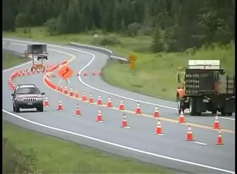 تجهیزات ایمنی - عملیات -جاده - سه لاین -آموزش بشکه ایمنی -بشکه ترافیکی